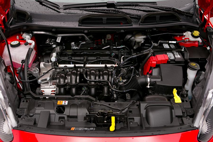2014 Ford Fiesta Photo 2 of 51