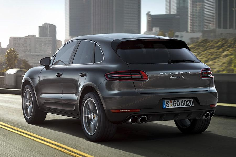 2015 Porsche Macan Photo 2 of 13