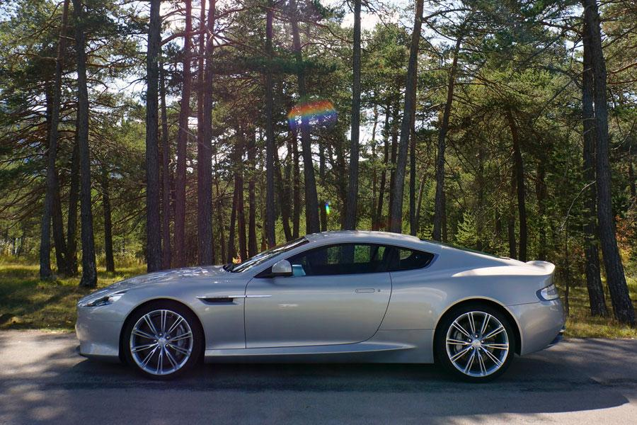 2014 Aston Martin DB9 Photo 2 of 23