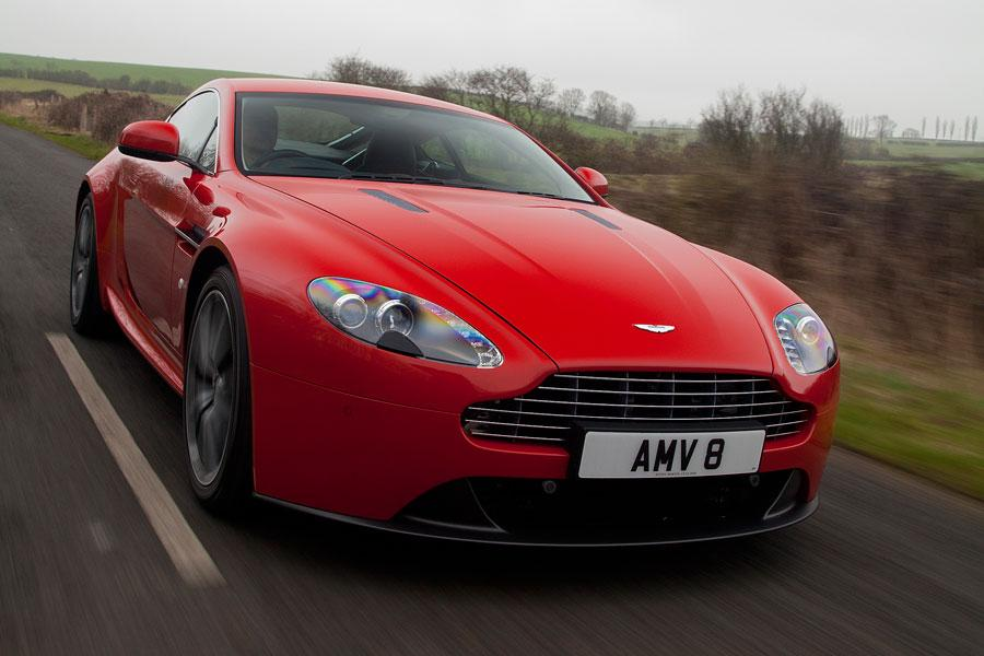 2014 Aston Martin V8 Vantage Photo 3 of 20
