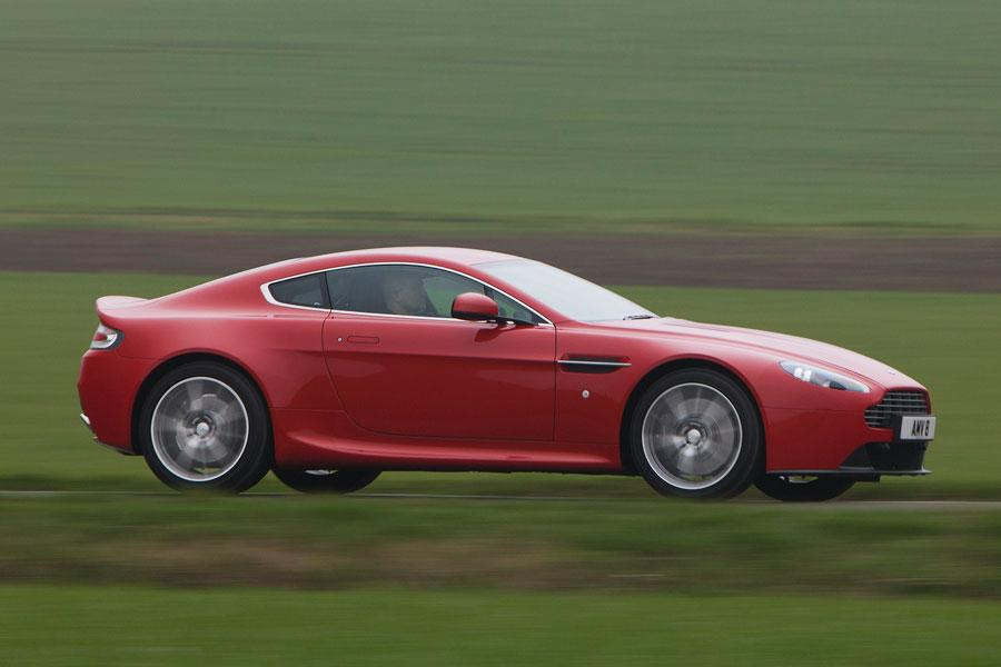 2014 Aston Martin V8 Vantage Photo 6 of 20