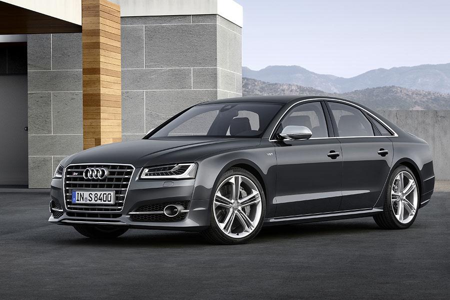 2015 Audi S8 Photo 1 of 23