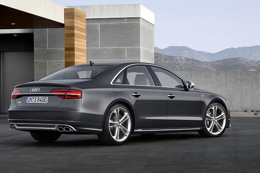 2015 Audi S8 Photo 3 of 23