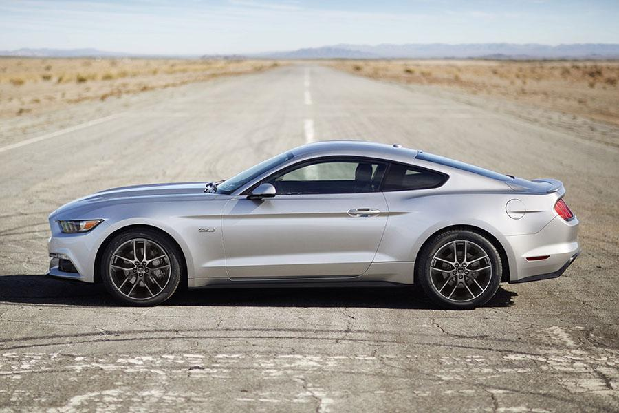 2015 Ford Mustang Overview  Carscom