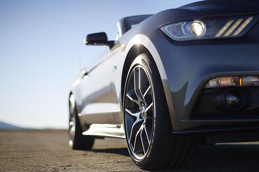 2015 Ford Mustang Photo 4 of 7