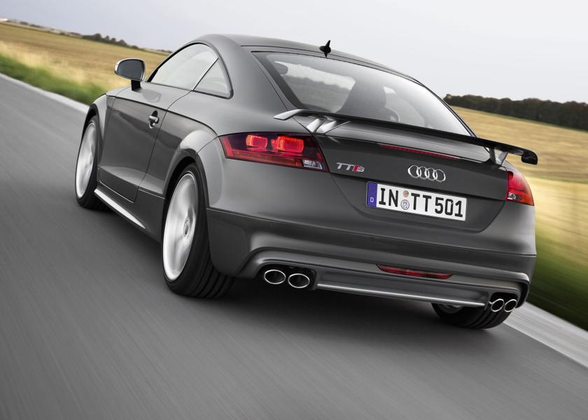 2015 Audi TTS Photo 2 of 19