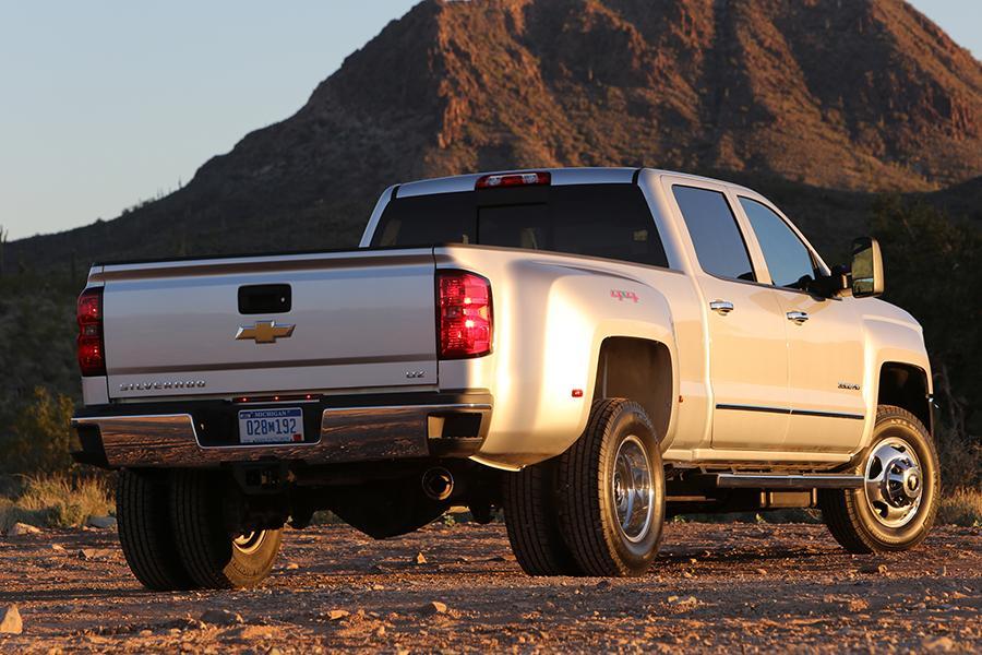 2015 Chevrolet Silverado 3500 Photo 3 of 3