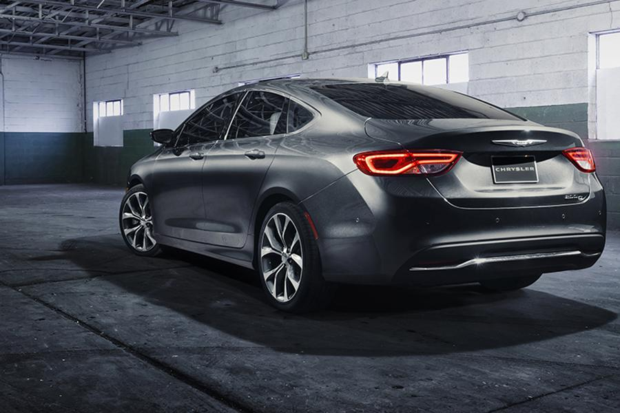 2015 Chrysler 200 Photo 5 of 37