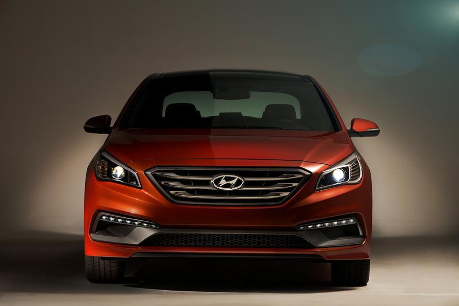 2015 Hyundai Sonata Photo 5 of 31