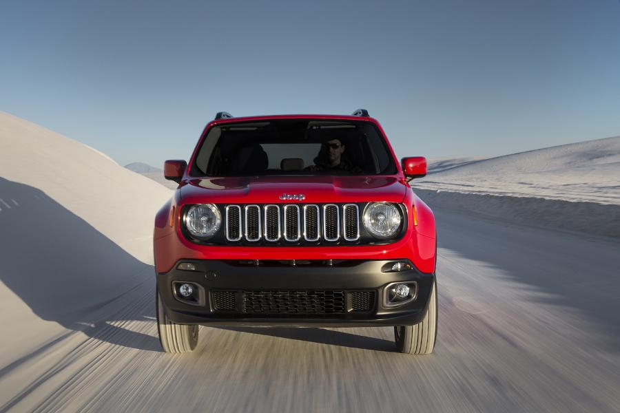 2015 Jeep Renegade Photo 4 of 48