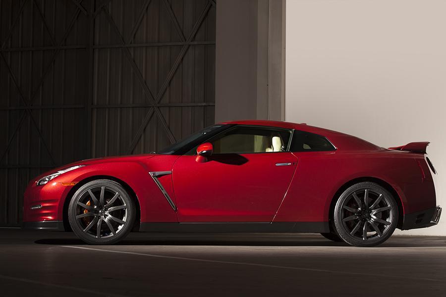 2015 Nissan GTR Overview  Carscom