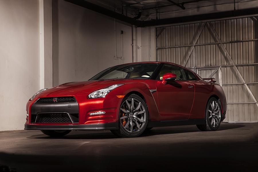 Assez 2015 Nissan GT-R Overview | Cars.com FV09