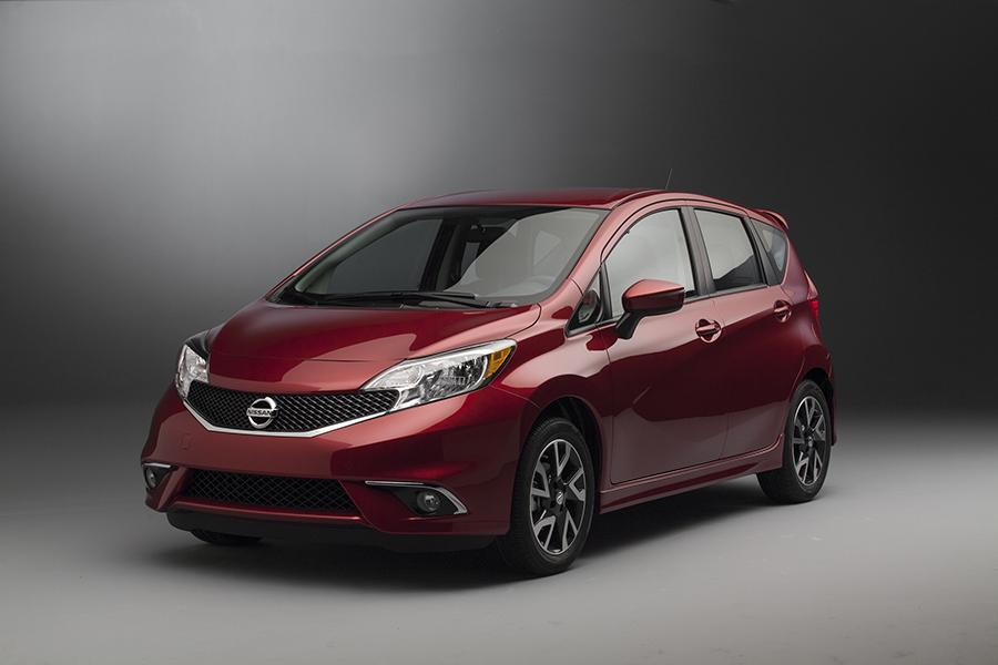 2015 nissan versa note reviews specs and prices. Black Bedroom Furniture Sets. Home Design Ideas