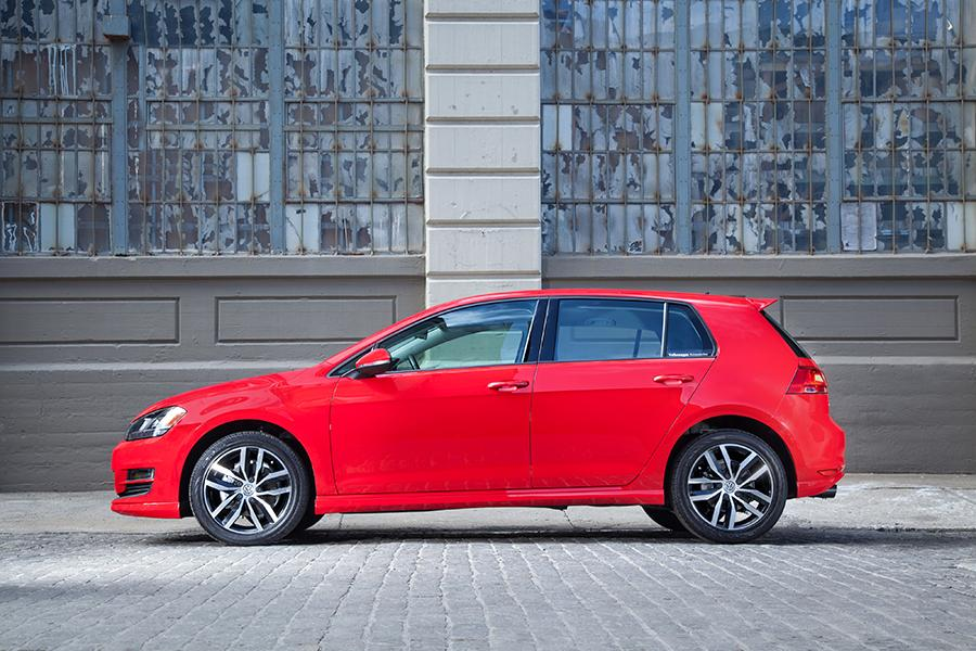 2015 Volkswagen Golf Photo 5 of 9