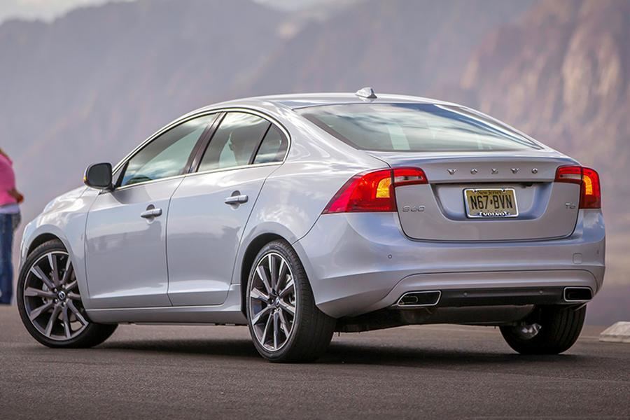 2015 Volvo S60 Photo 3 of 28