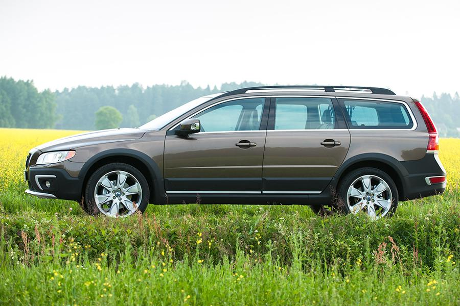 2015 Volvo Xc70 Specs Pictures Trims Colors Cars Com