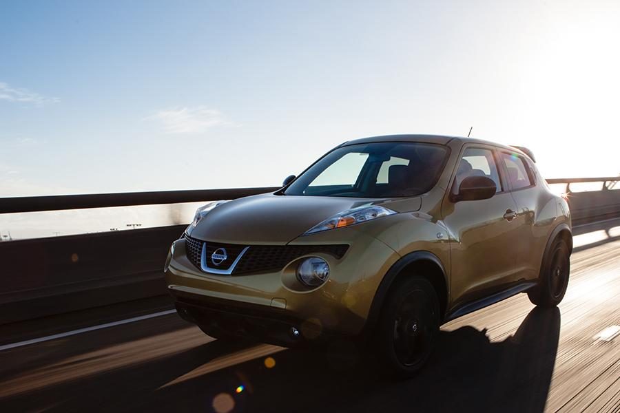 2014 Nissan Juke Photo 2 of 22