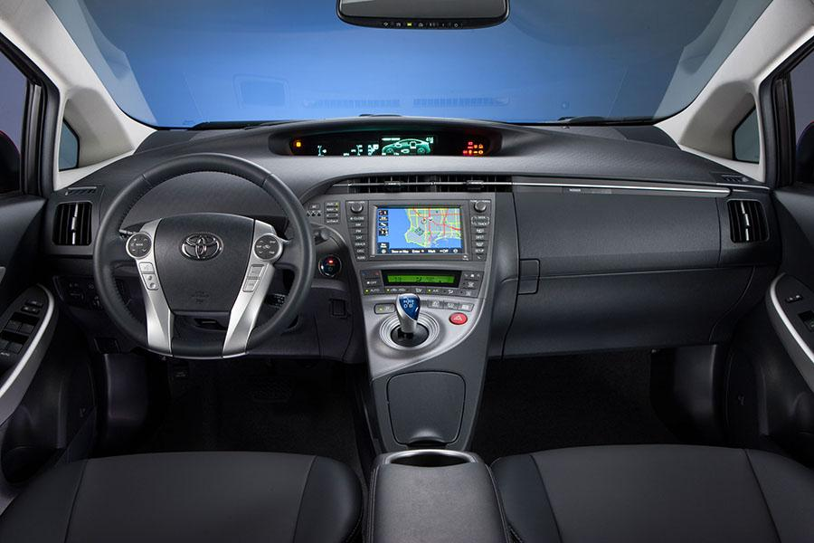 2014 toyota prius overview cars 2014 toyota prius photo 4 of 9 sciox Image collections