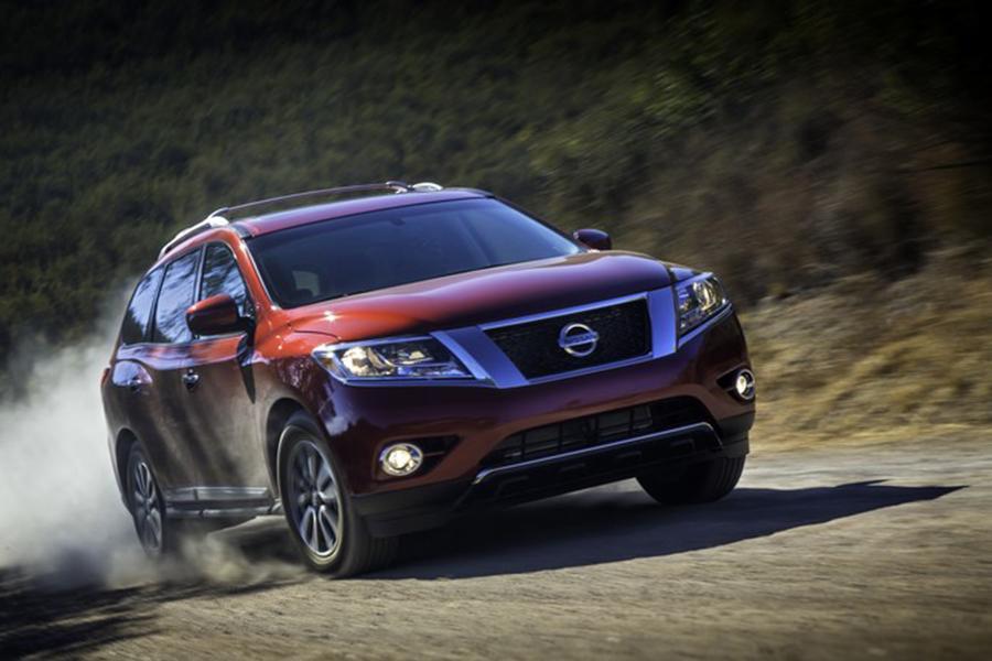2014 Nissan Pathfinder Photo 5 of 24