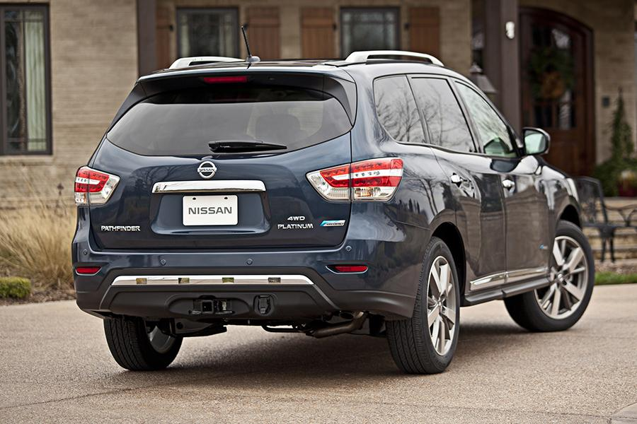 Gas Prices Chicago >> 2014 Nissan Pathfinder Reviews, Specs and Prices | Cars.com
