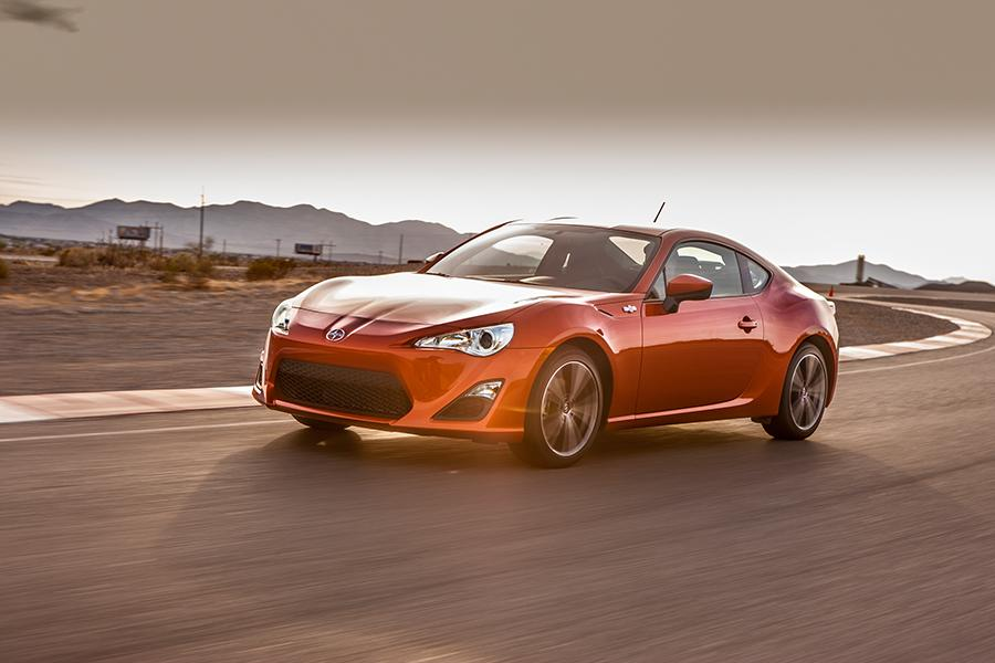 2014 Scion FR-S Photo 2 of 17