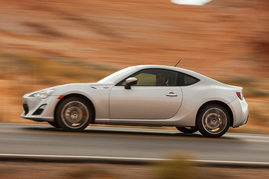 2014 Scion FR-S Photo 3 of 17