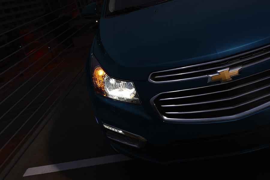 2015 Chevrolet Cruze Photo 5 of 9