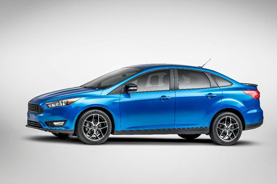 2015 Ford Focus Photo 3 of 19