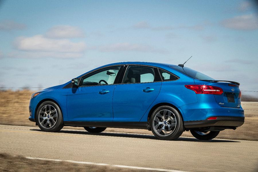 2015 Ford Focus Photo 5 of 19