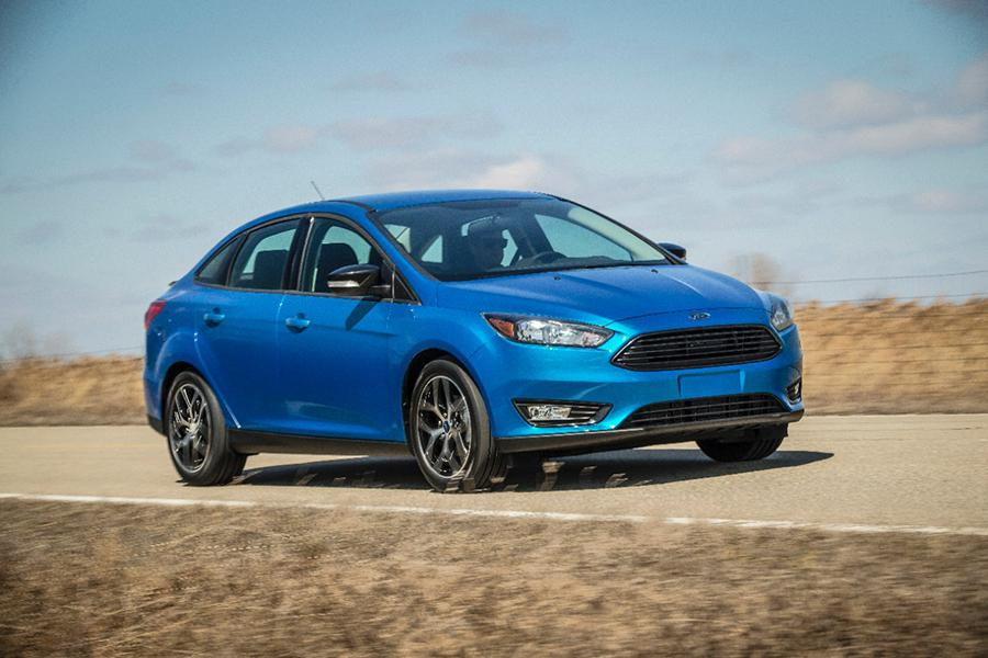 2015 Ford Focus Photo 4 of 19