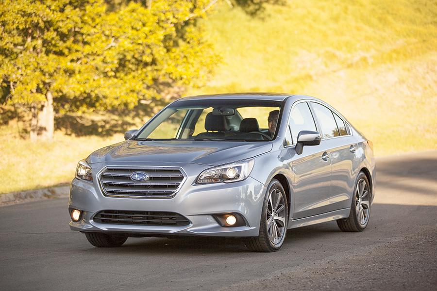 2015 Subaru Legacy Photo 1 of 30