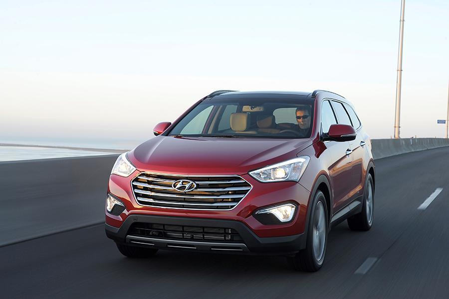 2014 Hyundai Santa Fe Photo 2 of 14