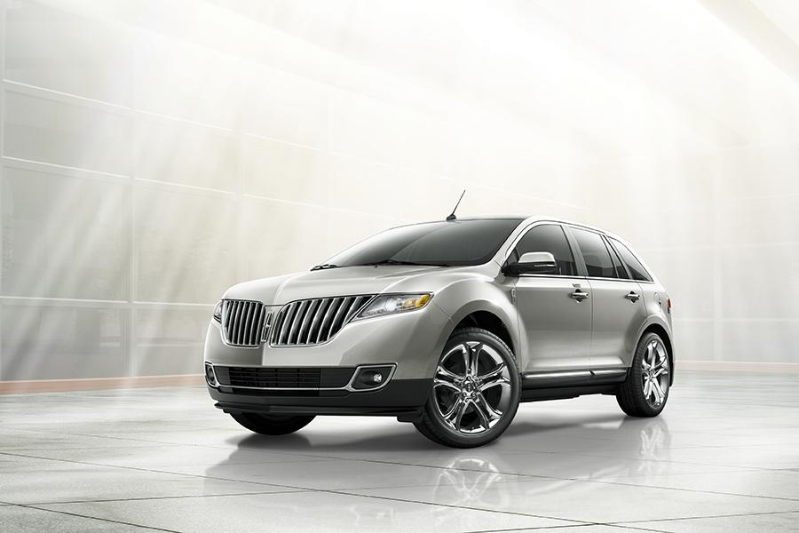 2014 Lincoln MKX Photo 2 of 8