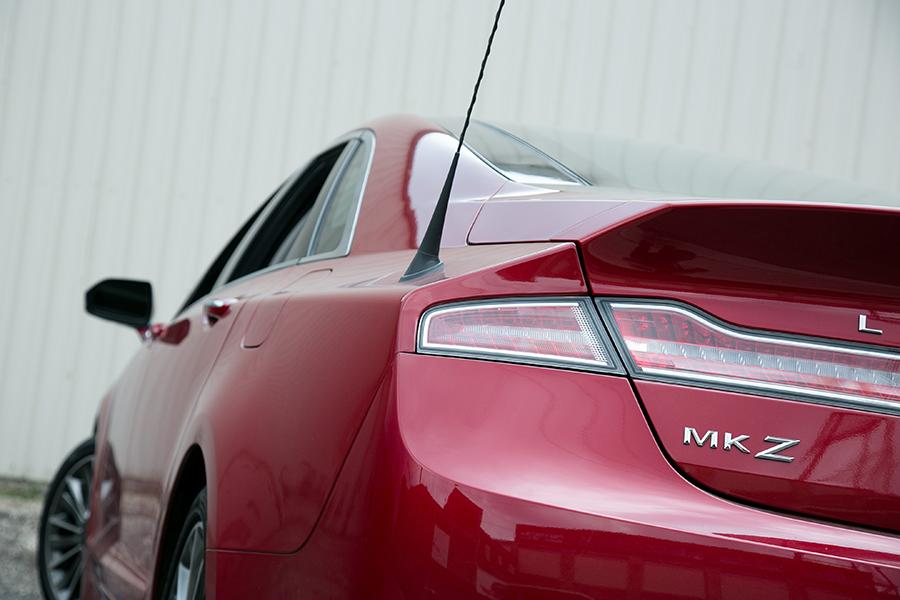 2014 Lincoln MKZ Photo 4 of 27