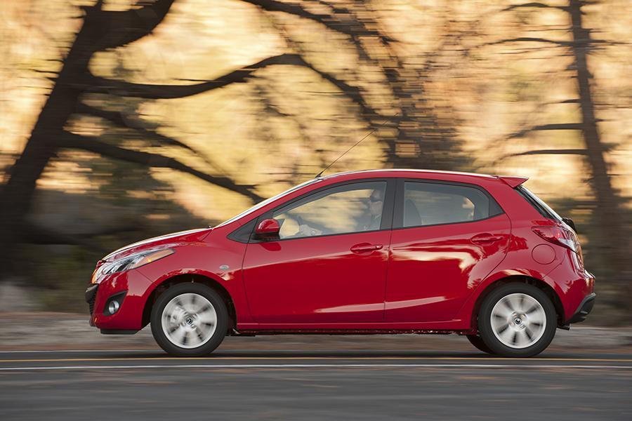 2014 Mazda Mazda2 Photo 5 of 19
