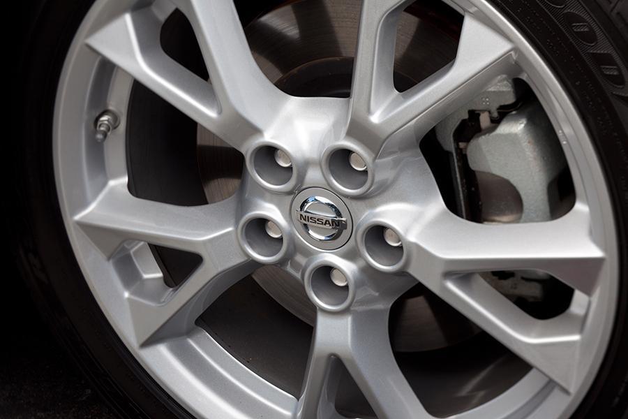 2014 Nissan Maxima Photo 3 of 32