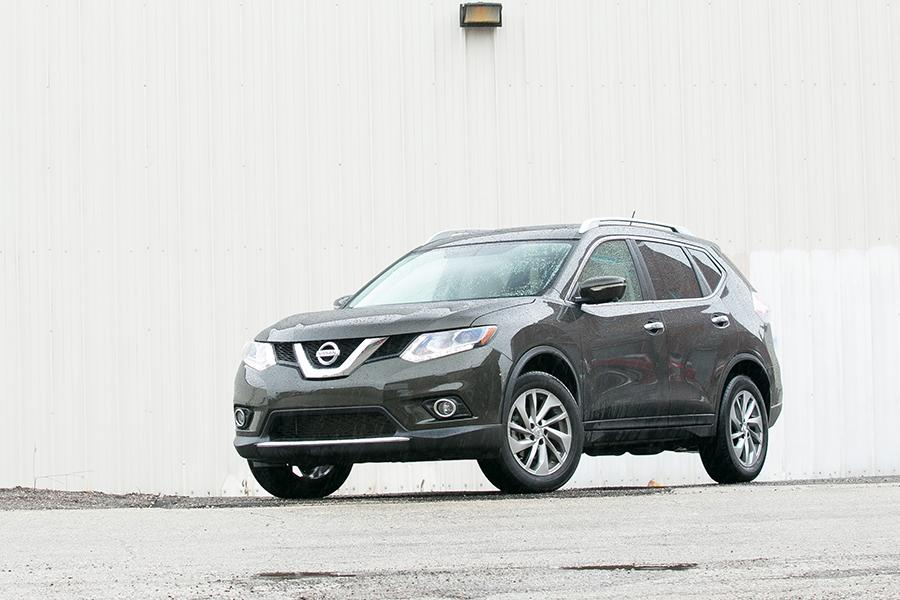 2014 Nissan Rogue Photo 4 of 37