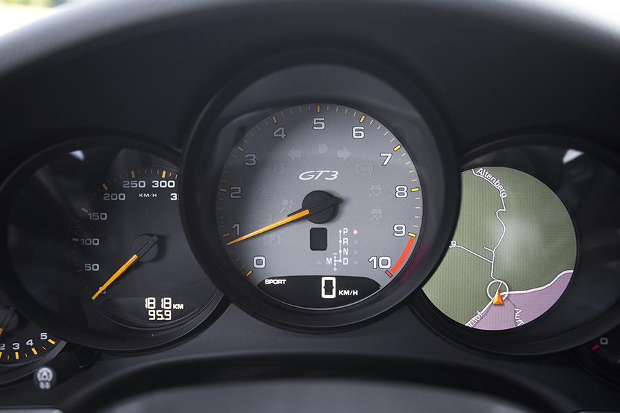 2014 Porsche 911 Photo 3 of 29