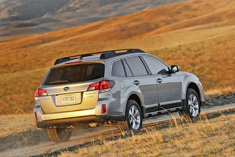 2014 Subaru Outback Specs, Pictures, Trims, Colors || Cars.com