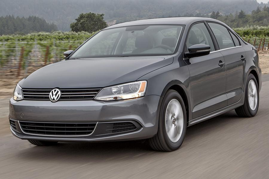 2014 Volkswagen Jetta Photo 2 of 14