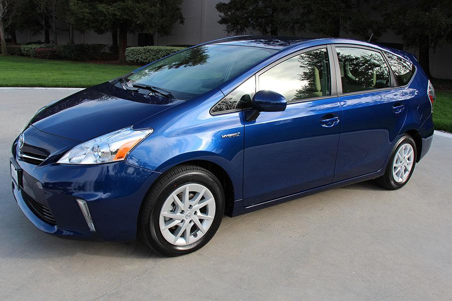 2014 toyota prius v reviews specs and prices. Black Bedroom Furniture Sets. Home Design Ideas
