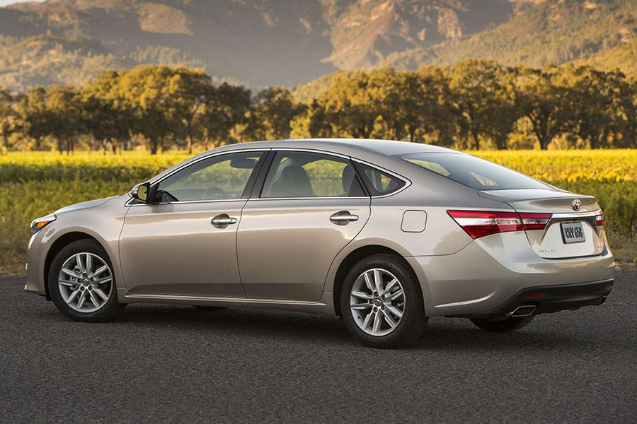 Toyota Suv Names >> 2014 Toyota Avalon Specs, Pictures, Trims, Colors || Cars.com