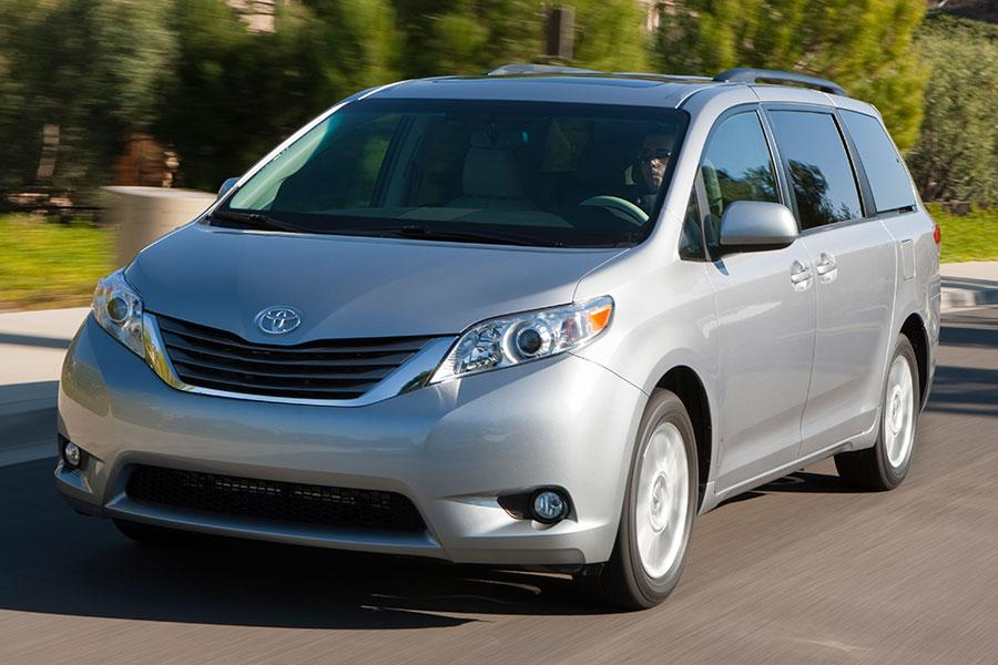 2014 Toyota Sienna Photo 1 of 18