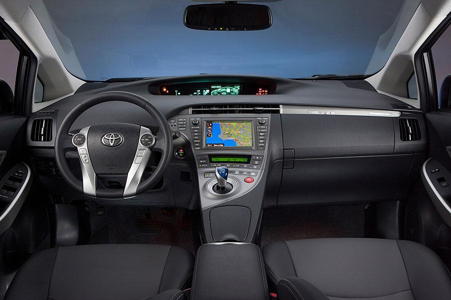 2014 Toyota Prius Plug In Overview Cars Com