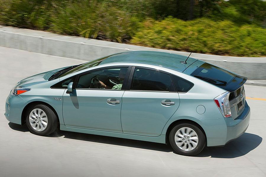 2014 Toyota Prius Plug-in Specs, Pictures, Trims, Colors ...