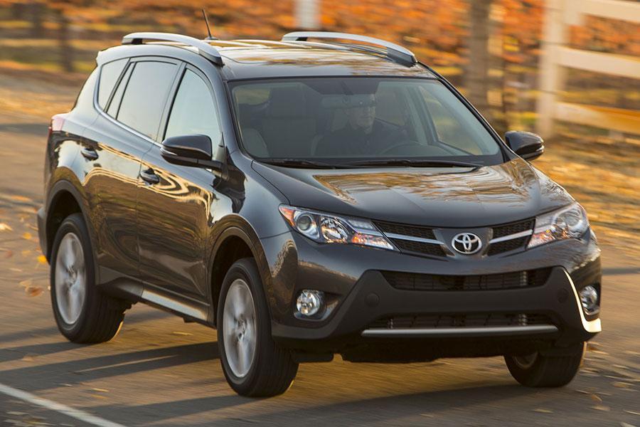 2013 Ford Escape Value >> 2014 Toyota RAV4 Reviews, Specs and Prices | Cars.com