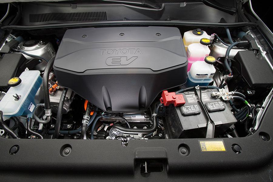 2014 Toyota RAV4 EV Photo 6 of 24