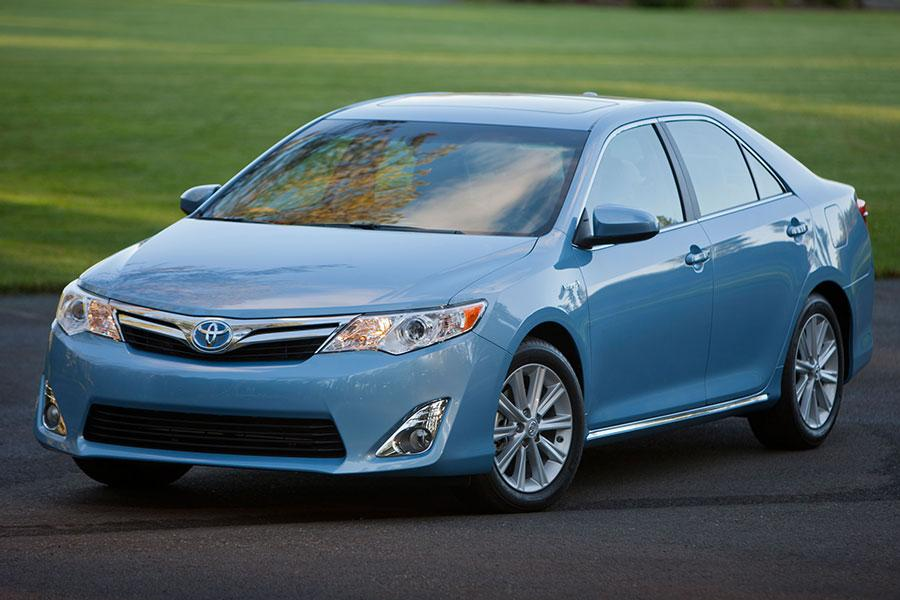 2014 toyota camry hybrid overview. Black Bedroom Furniture Sets. Home Design Ideas