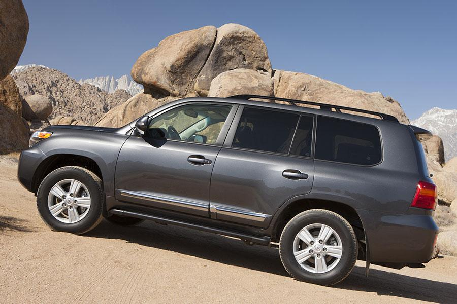 2014 Toyota Land Cruiser Photo 4 of 16