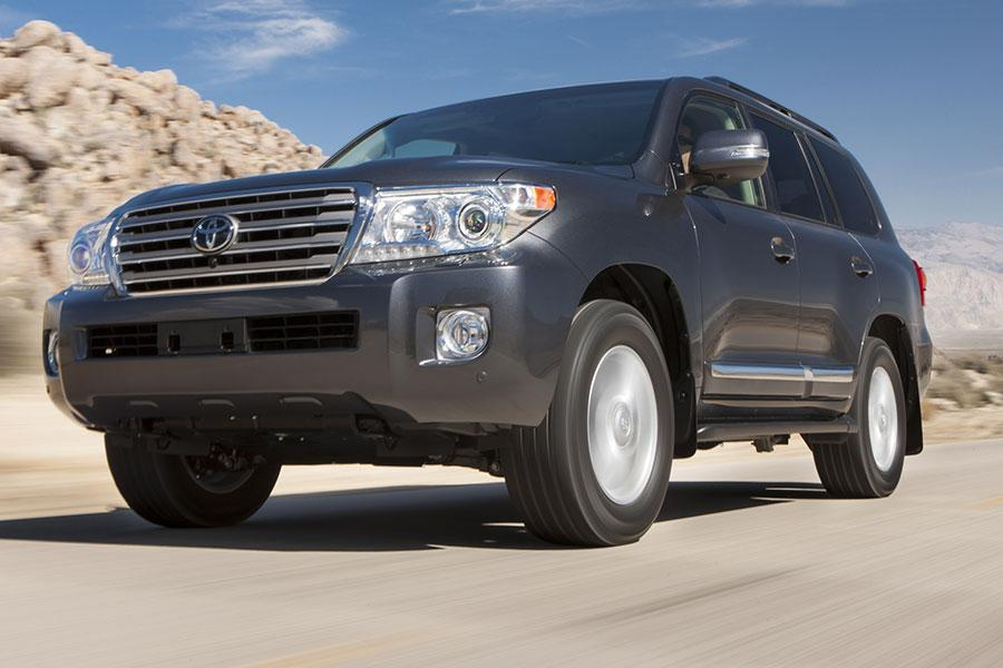 2014 Toyota Land Cruiser Photo 2 of 16